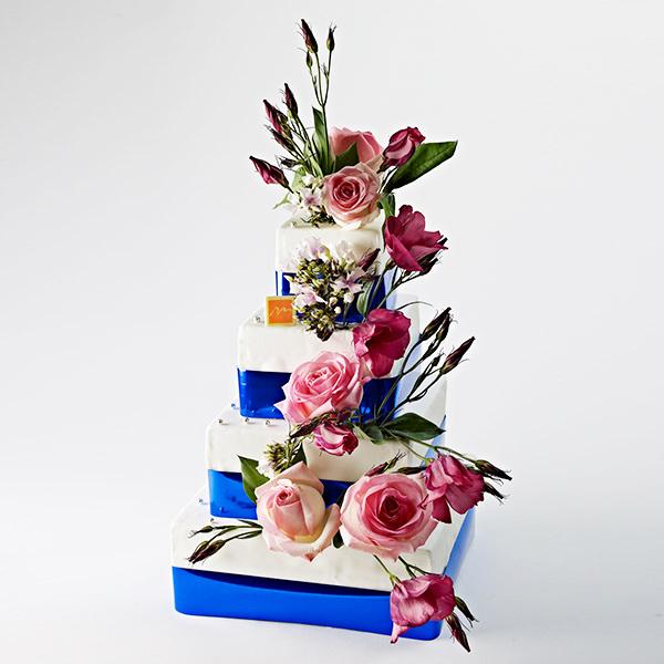 Panier De Fleurs Fraîches : G?teaux de mariage